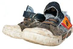 gammala skor för idrottshall arkivbild