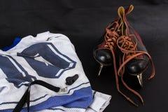 gammala skridskor för hockey Royaltyfri Foto