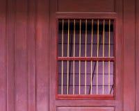 gammala slutare wall det träfönstret Royaltyfri Bild