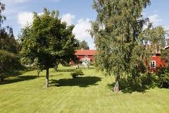Gammala stugor från sweden Royaltyfri Bild