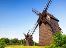 Gammala windmills. Arkivfoton