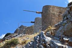 Gammala windmills på den Crete ön, Grekland Arkivfoto