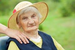 gammalare lycklig kvinna Arkivbild