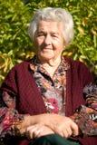 gammalare ståendekvinna Royaltyfri Fotografi