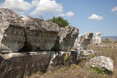 Gammalgrekiskaarkitektur i magnesiaannonsen Maeandrum, Turkiet Royaltyfri Bild