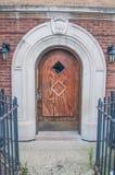 Gammalmodig dörr Arkivfoto