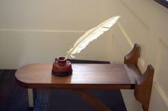 Gammalmodigt bärbart skrivbord i kyrka Lokaliserat på det gamla södra mötehuset Boston royaltyfri foto