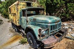 Gammalt åka lastbil Arkivbilder