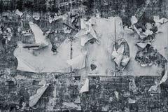Gammalt åldrigt smutsigt grungy skrapat annonserande affischpapper Fotografering för Bildbyråer