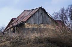 Gammalt övergett hus arkivfoton
