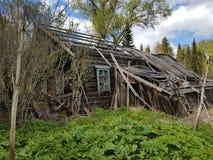 Gammalt övergett lantligt hus Fotografering för Bildbyråer