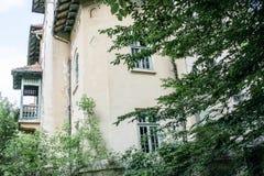 Gammalt övergett spökat hus Arkivbilder
