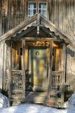 gammalt övergivet hus Arkivfoto