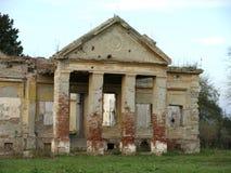 gammalt övergivet slott Royaltyfria Bilder