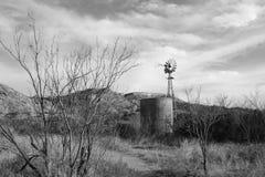 Gammalt abandonded lantgårdlandskap Arkivfoto