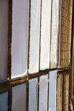 gammalt abstrakt begrepp för samarate i den soliga klockan för kyrkligt torn Arkivbild