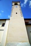 gammalt abstrakt begrepp för sumirago in och dag för klocka för kyrkligt torn solig Royaltyfria Foton