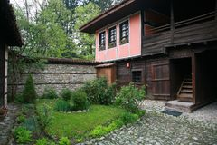 gammalt autentiskt bulgarian hus Royaltyfria Bilder