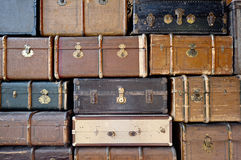 Gammalt bagage. royaltyfria bilder
