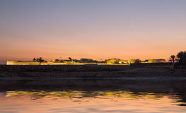 Gammalt Bahrain fort på Seef på solnedgången Royaltyfria Foton