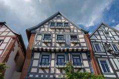 Gammalt blåtthus i Gelnhausen Arkivbild
