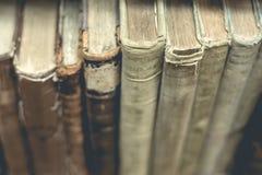 Gammalt boka tätt upp Arkivbilder