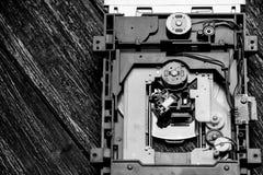 Gammalt bräde för utskrivaven strömkrets av CD-spelare Arkivbilder