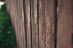 Gammalt brunt tr?staket royaltyfria bilder