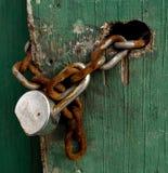 gammalt chain lås Arkivfoto