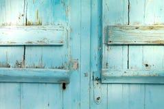 Gammalt dörrblåttlås detaljerade Grekland Royaltyfri Foto