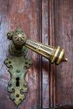 gammalt dörrhandtag Arkivbilder