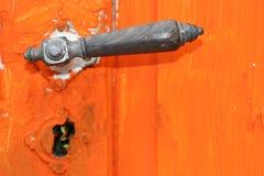 gammalt dörrhandtag Arkivbild