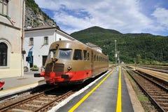 Gammalt drev på järnvägen Royaltyfri Fotografi