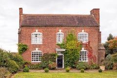 Gammalt engelskt landshus, Worcestershire, England Arkivbilder