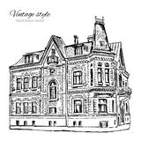 Gammalt europeiskt hus för tappningvektortegelplatta, hand dragen herrgård, grafisk illustration, knapphändig linje för historisk royaltyfri illustrationer