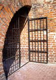 gammalt fängelse för dörr Arkivbilder