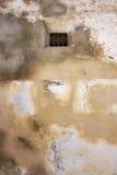 gammalt fängelsefönster Arkivfoto