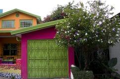 Gammalt färgrikt hus San Jose Costa Rica Arkivfoton