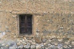gammalt fönster Arkivbild