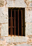 gammalt fönster för arrest Arkivfoto