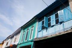 Gammalt fönster i Phuket Royaltyfri Bild