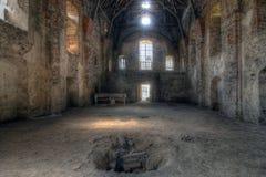 Gammalt fördärvar av den övergav kyrkan arkivfoton