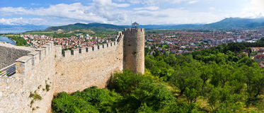 Gammalt fördärvar av slott i Ohrid, Makedonien Fotografering för Bildbyråer