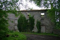 Gammalt förstört hus Fotografering för Bildbyråer