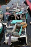 Gammalt fartyg som havereras i havet, det som inte är tillgängligt därför att fartygläcka arkivfoton