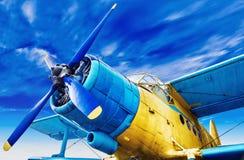 gammalt flygplan arkivfoto