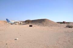 Gammalt flygplan L-410 i flygplatsen Berbera Royaltyfria Bilder