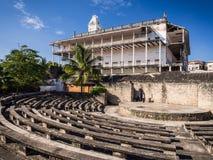 Gammalt fort (Ngome Kongwe) i stenstaden, Zanzibar arkivbilder
