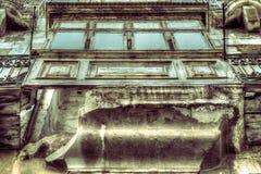 Gammalt fördärva balkongen svartvita HDR Arkivfoto