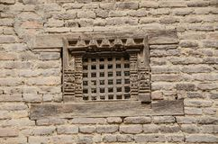 Gammalt gallerfönster i Katmandu royaltyfria foton